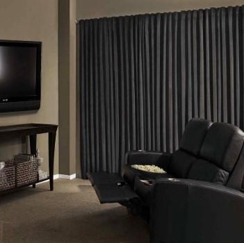 Cortina com blackout em sala